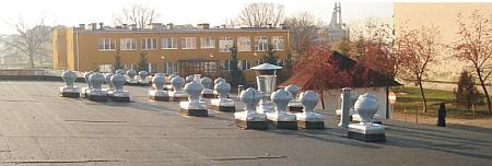 Uniwersal - wywietrzniki grawitacyjne WLO-160 na 3-piętrowym budynku mieszkalnym