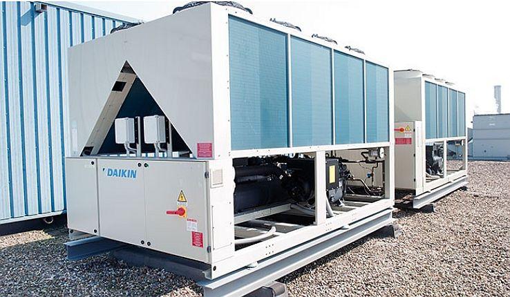 Systemy wody lodowej - działanie i zastosowanie agregatu wody lodowej