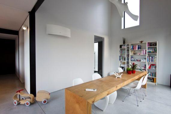 Klimatyzator Daikin Emura w salonie