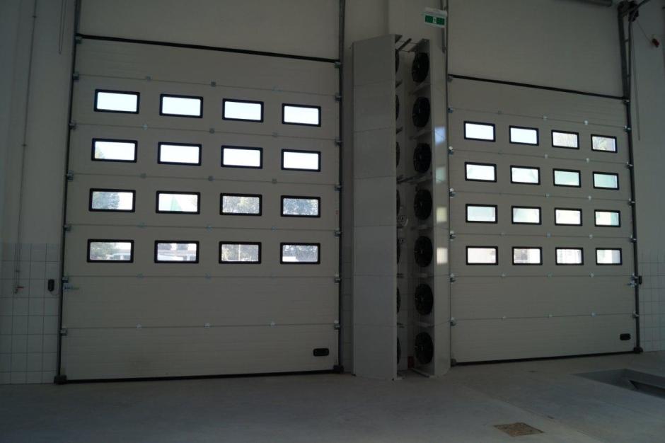 Kurtyny powietrzne - rozwiązanie Systema na ograniczenie strat ciepła w budynkach przemysł