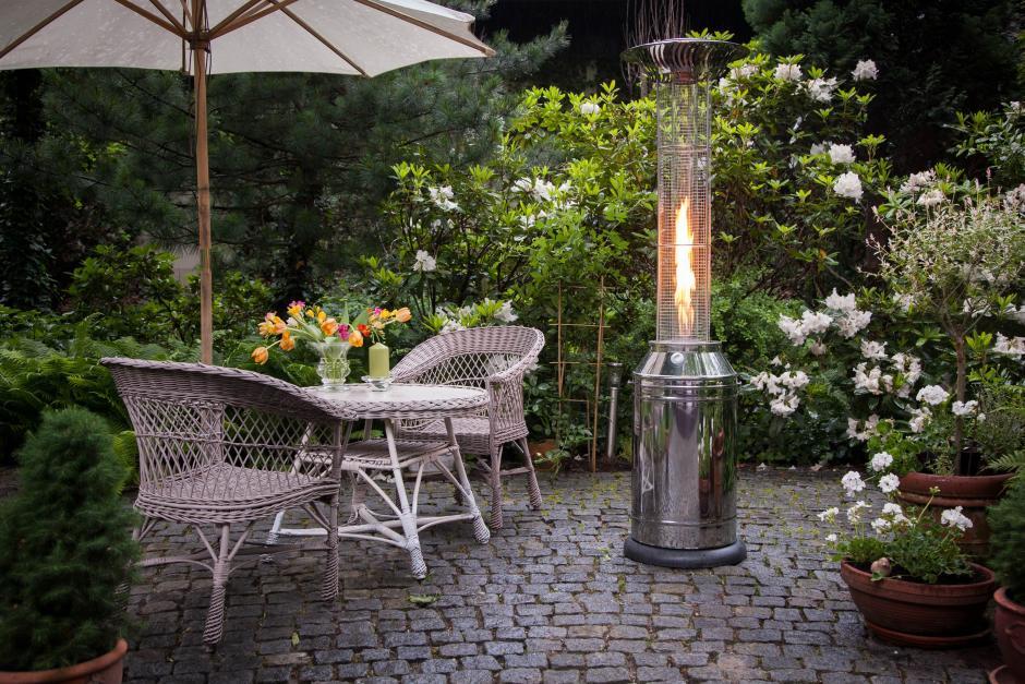 Przyjemne ciepło i piękno płomienia - parasole grzewcze